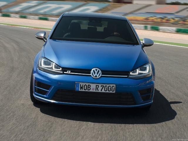14-2-10-211825Volkswagen-Golf_R_2014_1280x960_wallpaper_1e