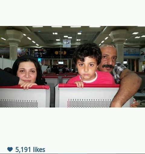 -امیر جعفری این عکس را ازمعطلی  یک تاخیر طولانی پرواز ایران ایر به یادگار گذاشته و از جوابگو نبودن مسئولان نالیده است!