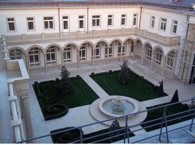 14-6-6-936512177159-poutine-son-palais-prive-ultra-luxueux-e