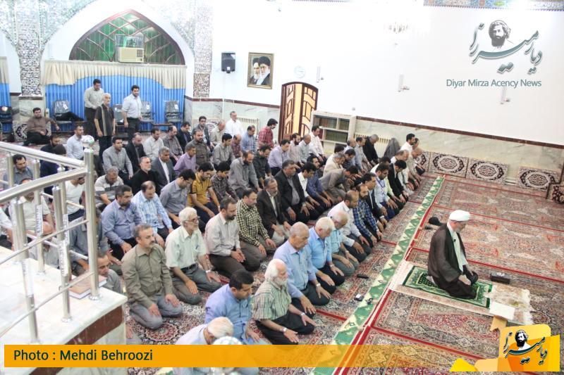 نماز جماعت در مسجد الجواد لاکانی