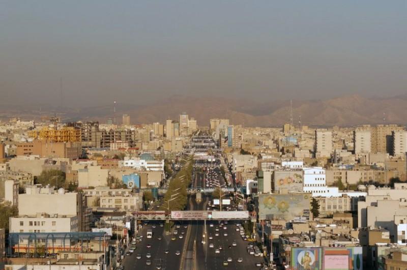 تهران پایتخت ایران ششمین شهری بود که هلنا از آن دیدن کرد. با وجودی که تنها بود اما بین ۱۵ میلیون ساکن این شهر او احساس امنیت می کرد و می گوید در طول سفر هرگز احساس ناراحتی نکرده است.