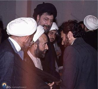 احسان شریعتی در کنار امام موسی صدر و مرحوم آیت الله دکتر محمد صادقی تهرانی
