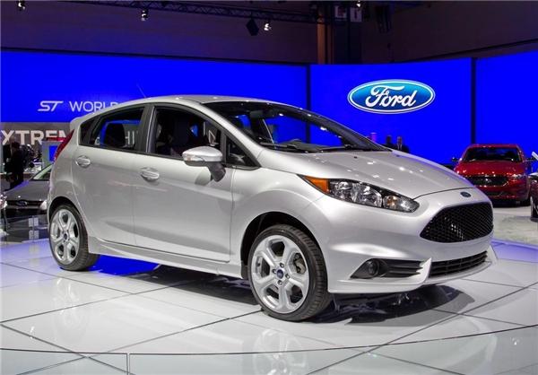 فورد فیستا 2014                      14100 دلار حجم موتور: 1600 سی سی، قدرت: 120 اسب بخار، مصرف سوخت: 6.5 لیتر در 100 کیلومتر، 7 دنده