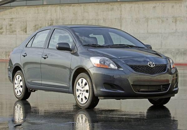 تویوتا یاریس                             14430 دلار  حجم موتور: 1500 سی سی ، قدرت: 106 اسب بخار، مصرف سوخت: 7.6 لیتر در 100 کیلومتر، 5 دنده