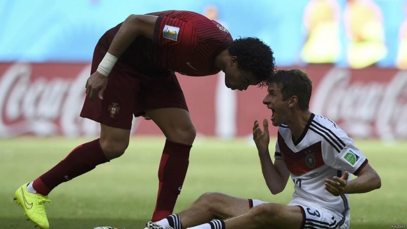 اخراج پهپه بعد از این حرکت باعث شد پرتغال در مقابل آلمان ده نفره شود و در نهایت بازی را چهار بر صفر ببازد. پرتغال به خاطر تفاضل گل بدتر نسبت به آمریکا در مرحله گروهی حذف شد