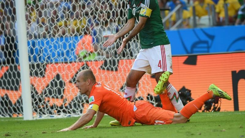 تلاش روبن برای فریب دادن داور انتقادهای زیادی را از او در رسانههای اجتماعی برانگیخت. همچنین، او دوندهترین بازیکن جام جهانی بوده است