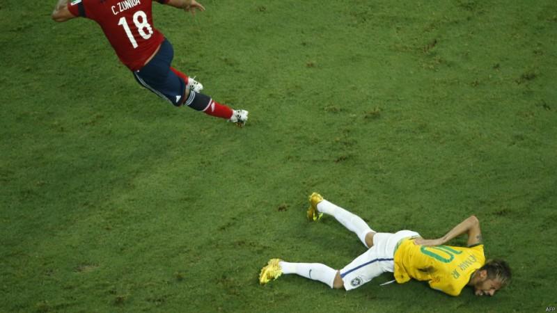 مصدومیت نیمار در پی خطای زونیگا باعث شد تا برزیل بزرگترین ستارهاش را از دست بدهد