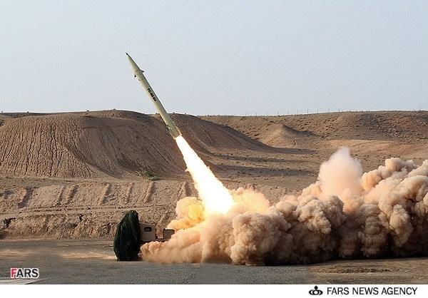 لحظه شلیک موشک بالستیک فاتح (دقیقترین موشک ایرانی)