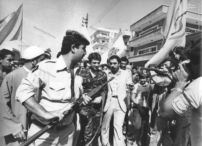 استقبال مردم جنگ زده جنوب لبنان از دکتر سید صادق طباطبایی