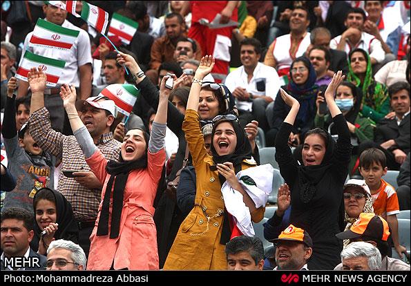 ۱۳۶۶۶۲۹۰۶۹.حضور بانوان در استادیوم آزادی مختلط (۳)