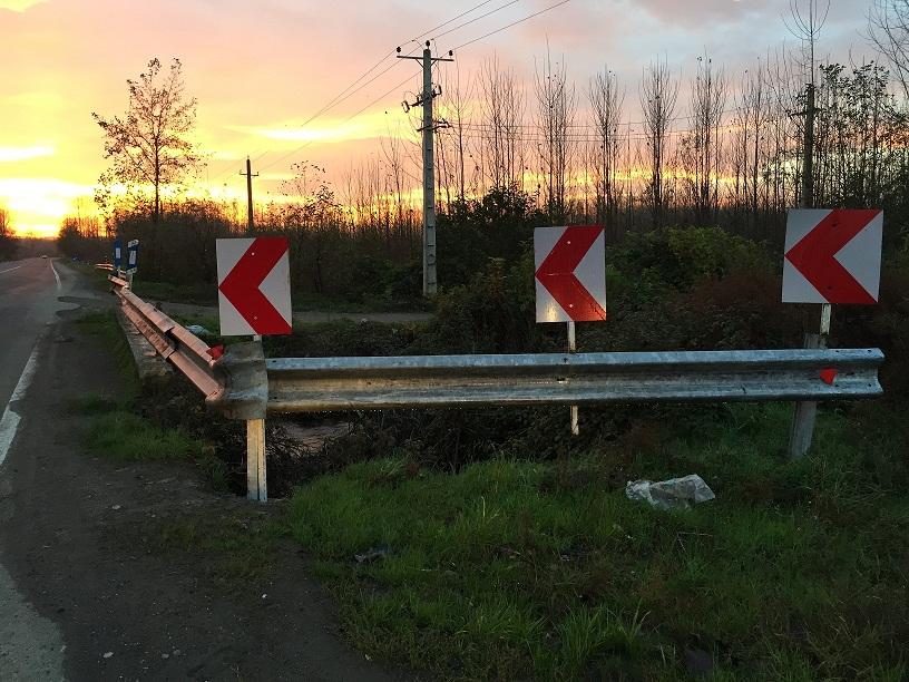محل تصادف که پس از تصادف، گاردریل نصب شد