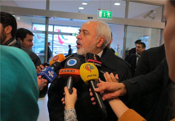 محمد جواد ظریف در فرودگاه وین