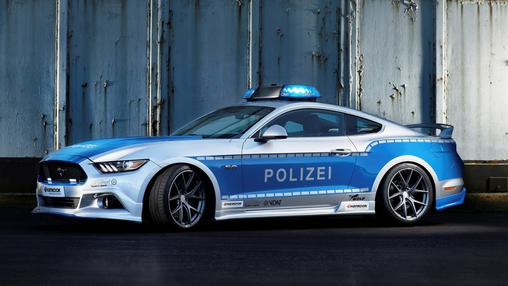 ۱۶-۱۱-۳۰-۱۳۲۵۱۸polizei-ford-mustang-gt-tuner6
