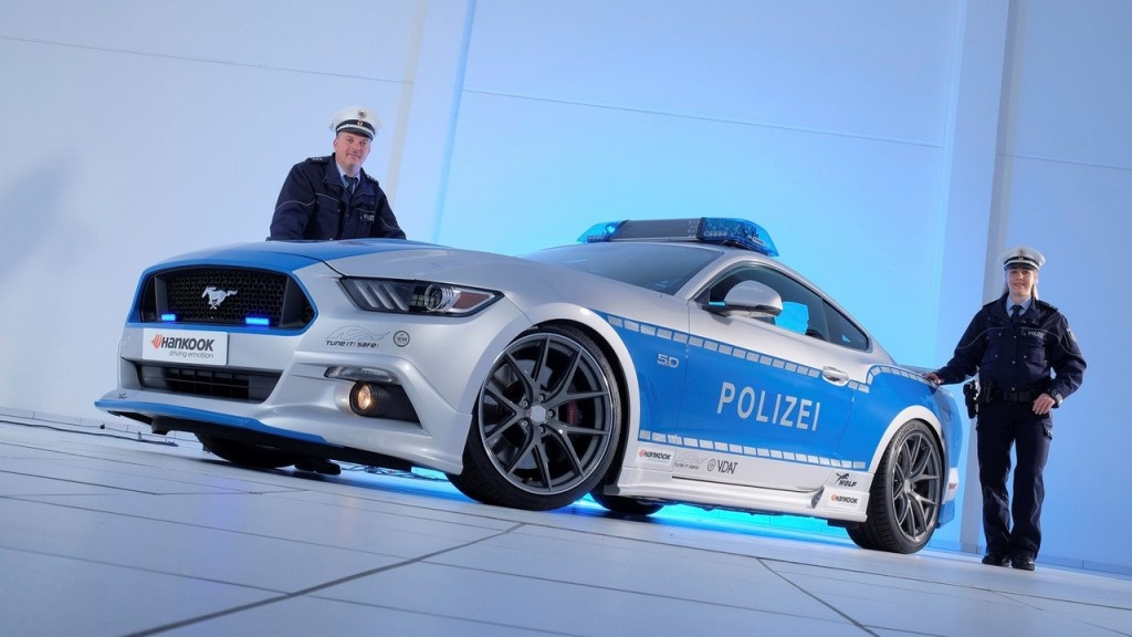 ۱۶-۱۱-۳۰-۱۳۲۶۰polizei-ford-mustang-gt-tuner