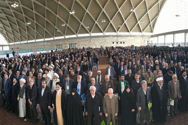 تصاویری از حضور چهرههای سیاسی در مجمع ملی جبهه مردمی نیروهای انقلاب