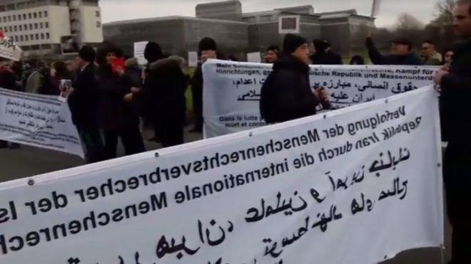 تجمع مقابل بیمارستان آیتالله هاشمیشاهرودی در آلمان+ توضیحات پروفسور سمیعی