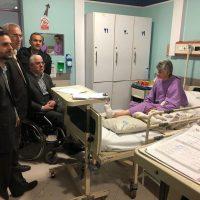 photo 2019 01 11 23 36 53 5 200x200 - بازدید شبانه نماینده رشت از بخش مراقبتهای ویژه بیمارستان پورسینا