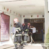 5 670 200x200 - تلاش ۴۹ آتش نشان در پی آتش سوزی سقف دبیرستان دخترانه در رشت